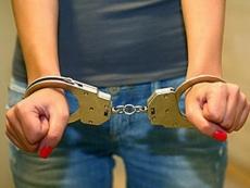 Студентка йошкар-олинского колледжа подозревается в краже и мошенничестве
