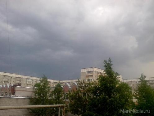 В Марий Эл ожидается гроза и сильный ветер