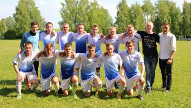 Яндемировское «Знамя» продолжает лидировать в чемпионате республики по футболу