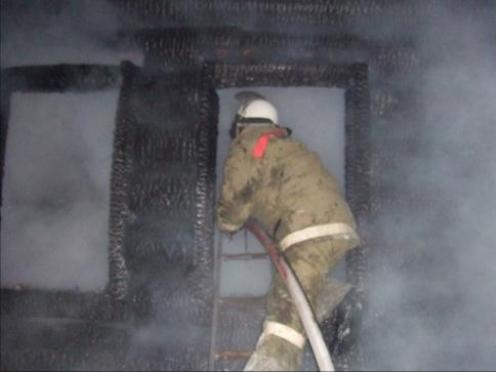 В сгоревшем бараке пожарные нашли два трупа (Марий Эл)