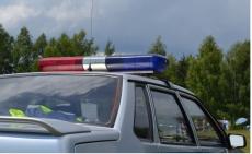 Полиция ищет водителя, наехавшего на дровосека