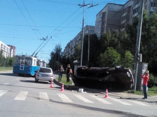 Водитель из Нового-Торъяла не учёл особенности городских дорог