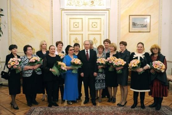 Владимир Путин встретился с мамой Героя России из Марий Эл Марка Евтюхина