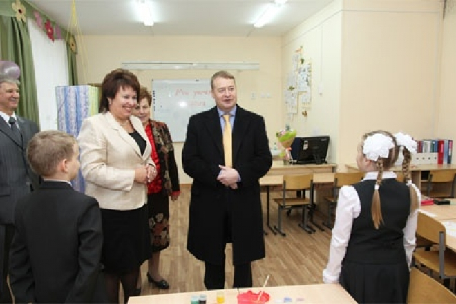 Леонид Маркелов прочитал свое новое стихотворение в стенах школы №29