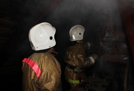 Ночью в селе Семёновка пожарные эвакуировали жильцов из многоэтажки. Есть жертвы