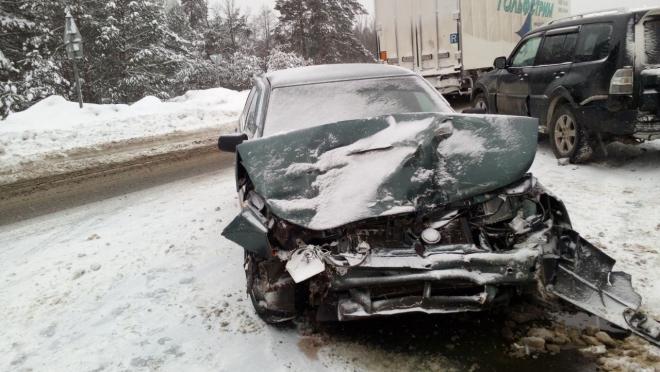 На трассе Йошкар-Ола — Чебоксары столкнулись 8 автомобилей