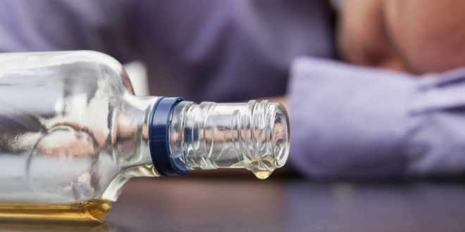 19-летний студент украл подарочную бутылку виски объемом 4,5 литра
