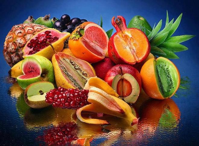 Эпидемиологи настоятельно рекомендуют мыть экзотические фрукты, во избежание заражения Эболой