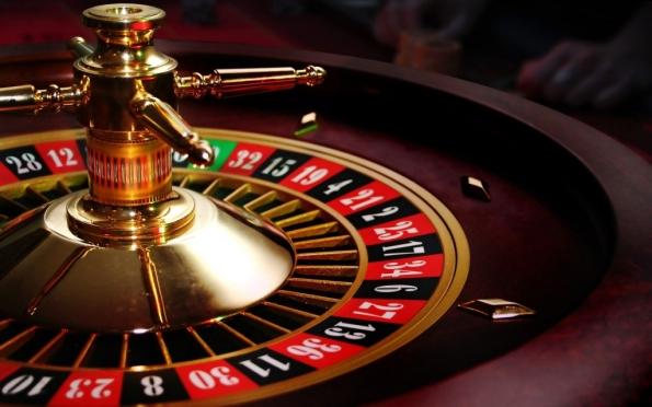 Психбольной в казино ежемесячно зарабатывал по 100 тысяч рублей