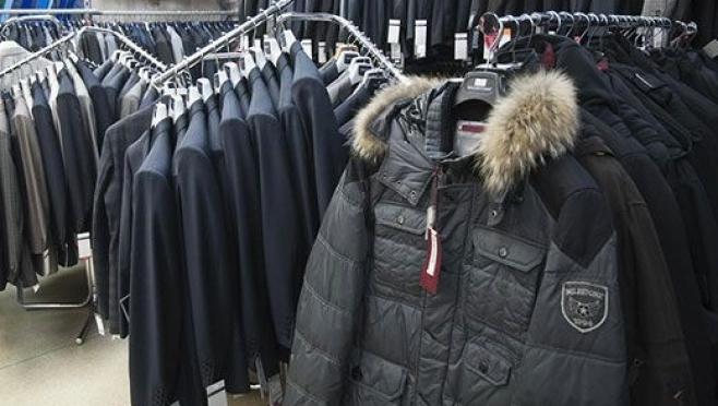 Злоумышленник стал обладателем коллекции мужских курток