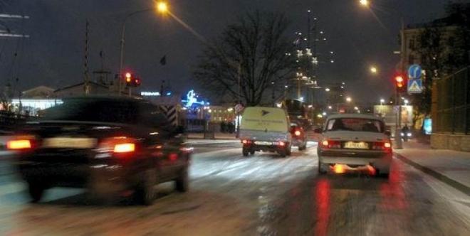 Автомобилисты Йошкар-Олы создают пробки на дорогах