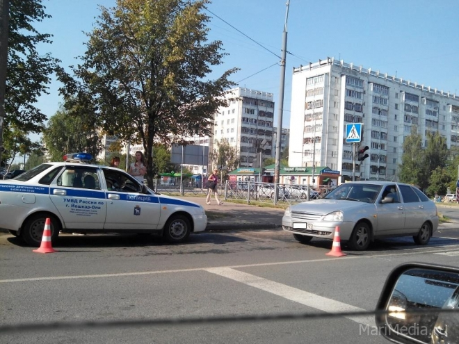 В Йошкар-Оле на пешеходном переходе сбили человека