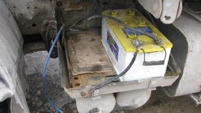 В Йошкар-Оле украли аккумуляторы с автомобиля, задействованного на ремонте дорог