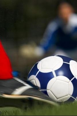 Зимний Чемпионат и первенство по футболу постер