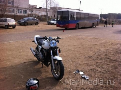 Подросток попал под колеса мотоцикла