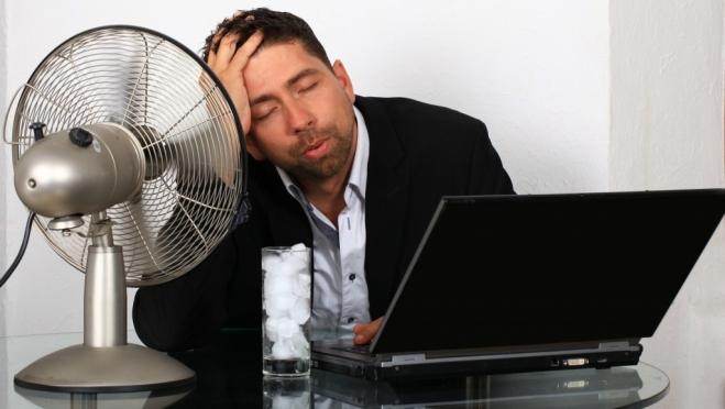 Если в помещении +30,5°С рабочий день должен быть сокращён на 4 часа
