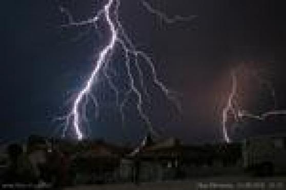 Грозовой фронт обесточил десятки населенных пунктов в Марий Эл