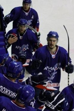 Хоккеисты из Волжска проиграли в очередном домашнем матче (Марий Эл)