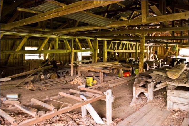 В Звенигово сгорел чердак деревообрабатывающего цеха