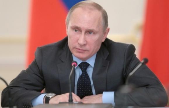 Владимир Путин распорядился выделить некоммерческим организациям 2,7 млрд рублей