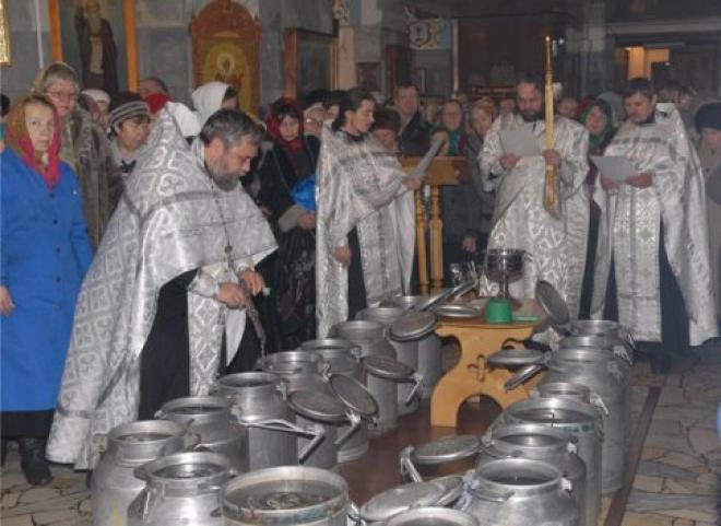 В храмах Марий Эл освящают воду