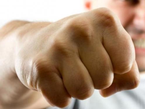 В Йошкар-Оле рецидивист избил и ограбил случайного знакомого