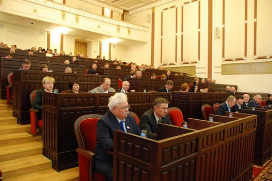 Депутаты Марий Эл приняли главный финансовый документ 2016 года