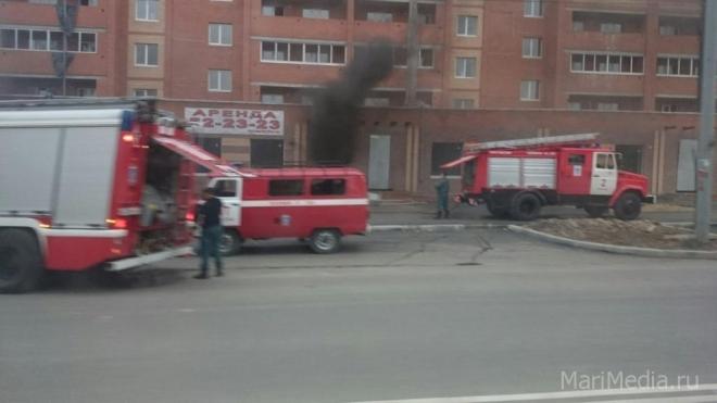 В Йошкар-Оле загорелась новостройка
