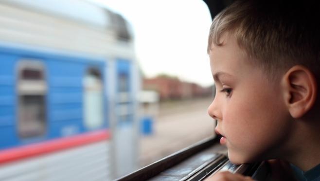 Дети старше 10 лет смогут ездить в поездах без родителей