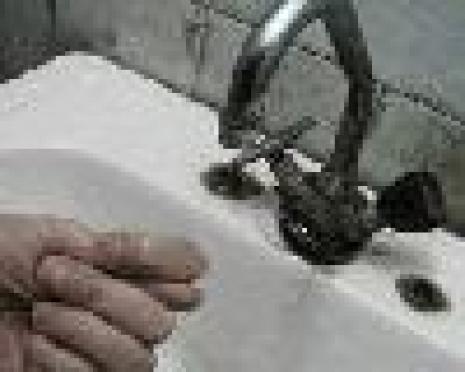 Утро понедельника для жителей Сомбатхея началось с отключения холодной воды и перекрытия дорог (Йошкар-Ола)
