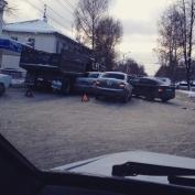 У Витаминного завода столкнулись сразу несколько легковых автомобилей и грузовик