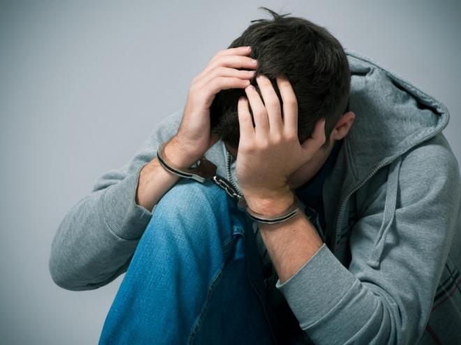 Подросток после совместной пьянки ограбил 41-летнюю подругу