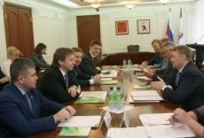 Леонид Маркелов принял делегацию Сбербанка России