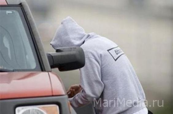 15-летнего подростка подозревают в серии автомобильных краж