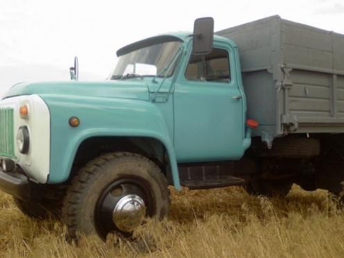 Безработный украл двигатель из грузовика, припаркованного на стоянке организации