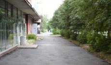 Коммунальщики Йошкар-Олы латают тротуары