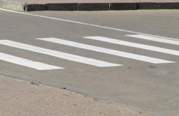 В Йошкар-Оле на пешеходном переходе сбили двух девушек