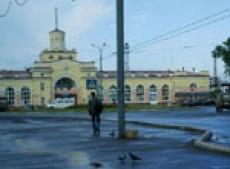 Йошкар-олинский железнодорожный вокзал украсит новогодняя атрибутика