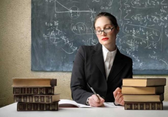 Учителей оденут в униформу