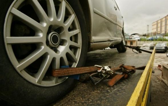 Должница, побоявшись лишиться автомобиля Mercedes, заплатила в казну более 50 000 рублей