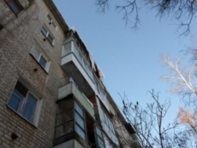Йошкаролинец разбился, сорвавшись с четвертого этажа