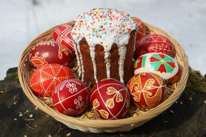 В храмах Марий Эл освящают куличи и пасхальные яйца