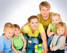 Малообеспеченные многодетные семьи Марий Эл в 2015 году будут получать ежемесячные пособия
