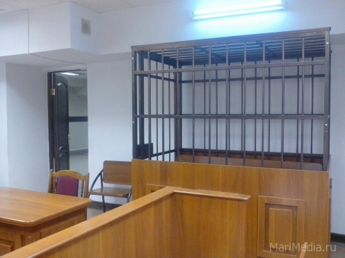 Член избиркома избил судебного пристава в зале суда