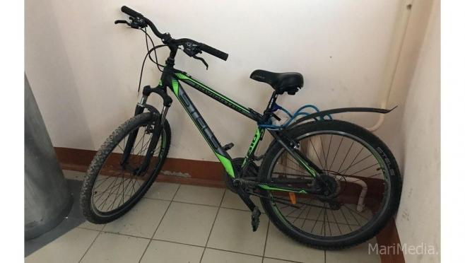 Тросовый замок не спас от кражи велосипеда