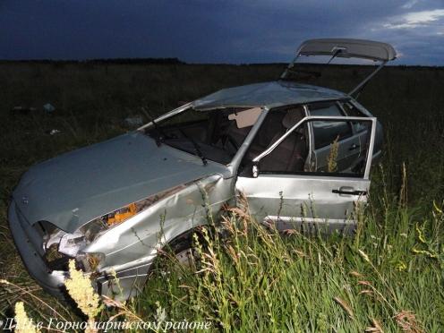 В Горномарийском районе две машины перевернулись в кювет, есть жертвы