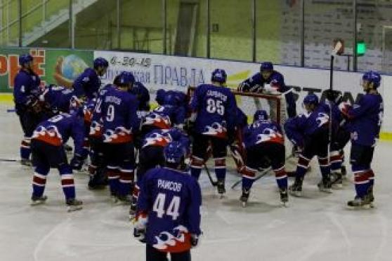 Главная хоккейная команда Марий Эл начала за здравие, а закончила поражением