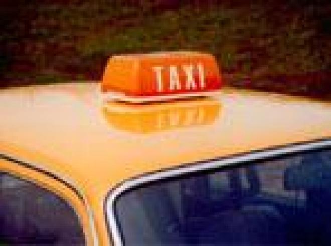 Таксисты устремились в Министерство промышленности, транспорта и дорожного хозяйства Марий Эл