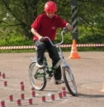ГИБДД Йошкар-Олы приглашает на юбилей участников «Безопасного колеса» 30-летней давности