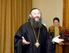 Владыка преподнес в дар йошкар-олинскому социальному приюту Священное Писание